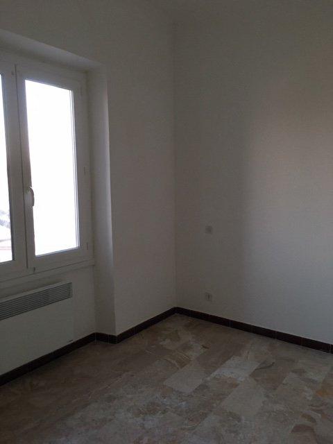 chambre avec rangements